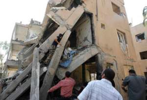 Collapsed building in Allepo