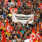People march in a General Strike in defiance of the new Labor reform bill
